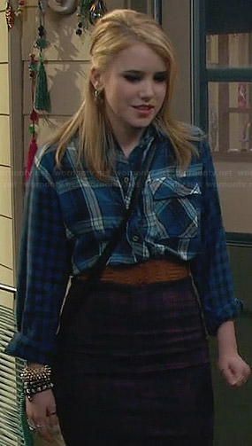Lennox's blue plaid shirt and checked skirt on Melissa and Joey