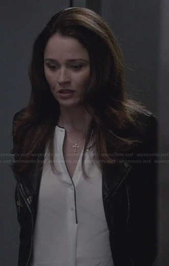 Lisbon's white blouse with black trim on The Mentalist