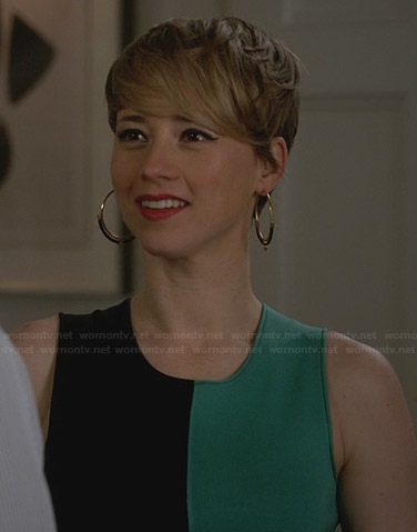 Margaux's green and black colorblock dress and hoop earrings on Revenge