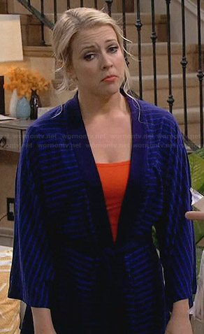 Mel's blue striped robe on Melissa and Joey