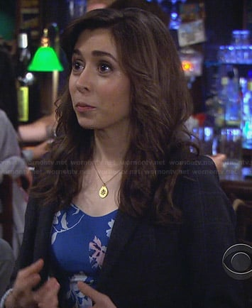 The Mother's blue floral dress on How I Met Your Mother