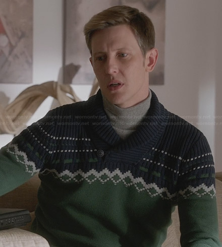Nolan's green and navy fair isle sweater on Revenge