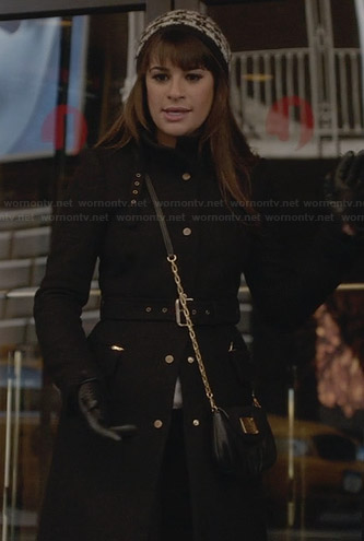 Rachel's black coat, houndstooth beanie and black crossbody bag on Glee