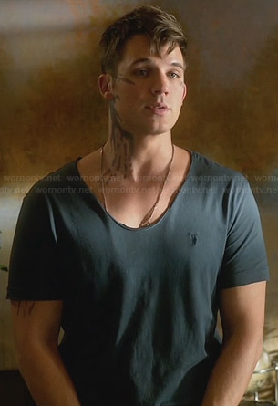 Roman's grey t-shirt with emblem on Star-Crossed