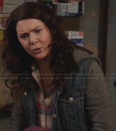 Sarah's denim hooded jacket on Parenthood
