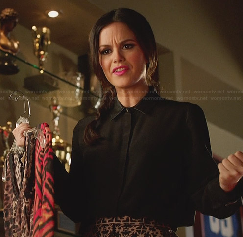 Zoe's black leather collared shirt and patterned shorts on Hart of Dixie