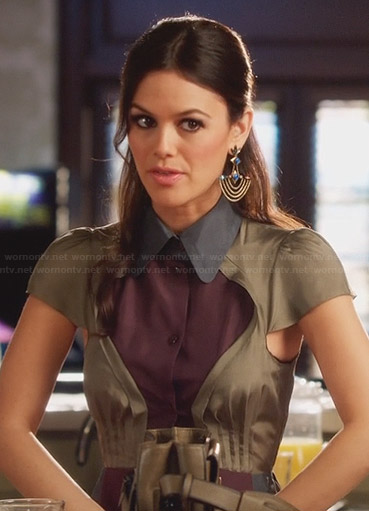 Zoe's purple colorblock shirtdress and chandelier earrings on Hart of Dixie