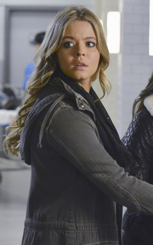 Alison's grey hooded jacket on Pretty Little Liars