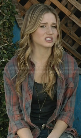 Amy's blue and red plaid shirt on Faking It