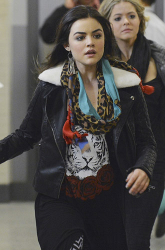 Aria's tiger face and rose graphic dress and multi-colored leopard print scarf on Pretty Little Liars