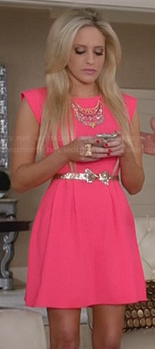 Dalia's hot pink cap sleeve dress with glittery bow belt on Suburgatory