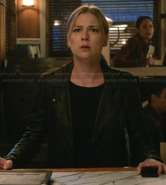Emily's leather moto jacket on Revenge