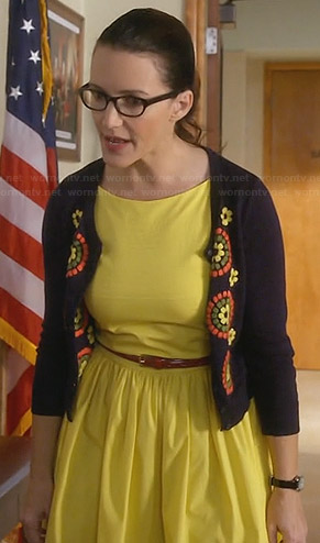 Ginny's yellow dress and navy floral cardigan on Bad Teacher