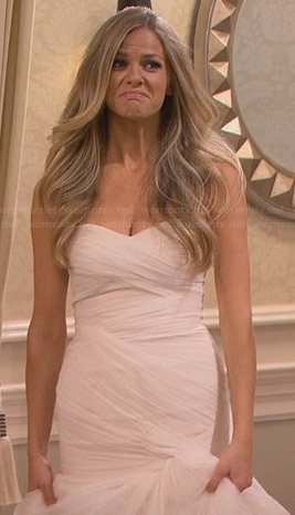 Jules's wedding dress on Friends with Better Lives