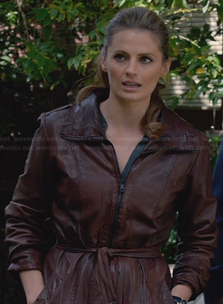Kate's brown leather belted jacket on Castle