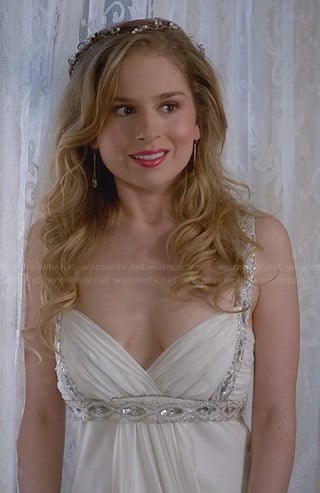 Lisa's wedding dress on Suburgatory