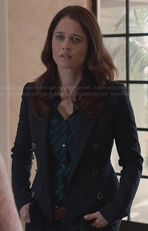 Lisbon's green and blue patterned top and double breasted blazer on The Mentalist