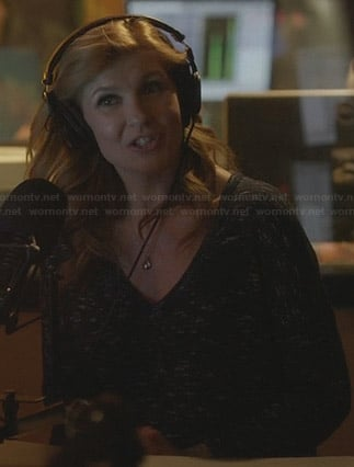 Rayna's navy space dye sweater on Nashville