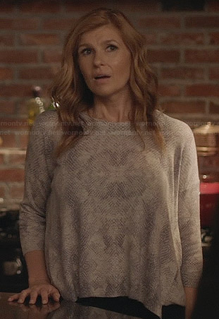 Rayna's grey snake print loose fitting sweater on Nashville