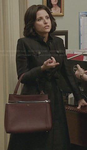 Selina's burgundy zip detail bag on Veep