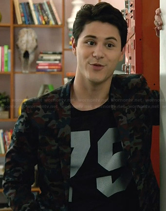 "Shane's camo blazer and ""79"" tee on Faking It"