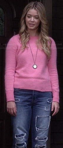 Alison's pink sweater, ripped boyfriend jeans and clock necklace on Pretty Little Liars