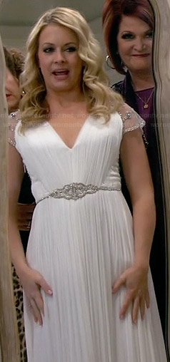 Mel's original wedding dress on Melissa and Joey