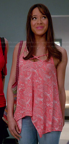 Rosie's pink paisley crossed strap cami on Devious Maids