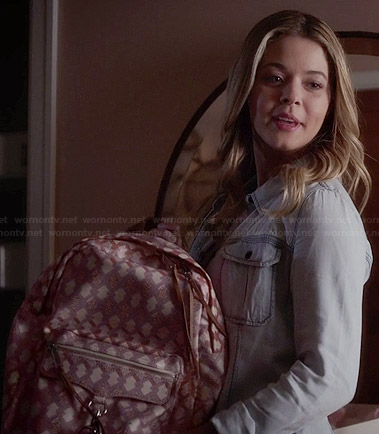 Ali's denim shirt and pink patterned backpack on Pretty Little Liars