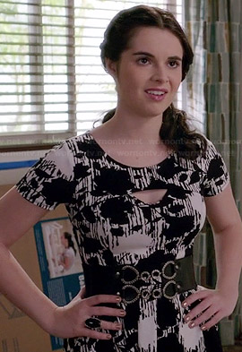 Bay's black and white floral printed cutout dress on Switched at Birth