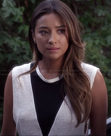 Emily's white tank top with black triangle on Pretty Little Liars