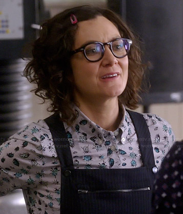 Irene's blue bug print shirt and pinstriped pinafore dress on Bad Teacher