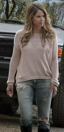 Malia's light pink knit sweater and ripped jeans on Teen Wolf