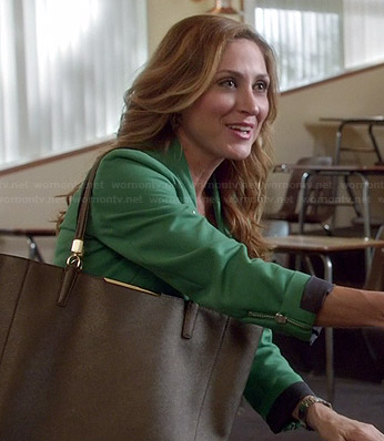Maura's green jacket and bronze tote on Rizzoli and Isles