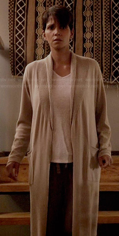 Molly's long beige waffle trim robe on Extant