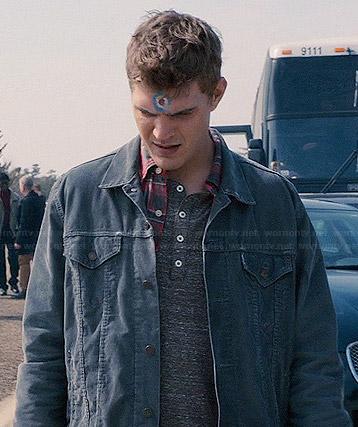 Tom's blue corduroy jacket on The Leftovers