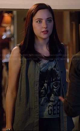 April's grey and beige colorblock hoodie on Chasing Life