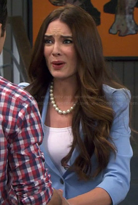 Caroline's light blue blazer on Young and Hungry