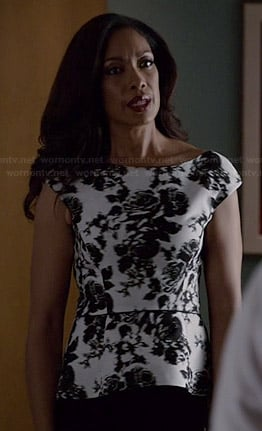 Jessica's black and white rose print peplum top on Suits