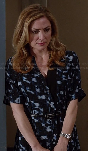 Maura's blue printed shirtdress on Rizzoli and Isles