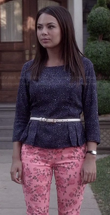 Hanna's 'Rock n Roll is the Devil's Music' Tee and green studded shoulder cardigan on Pretty Little Liars
