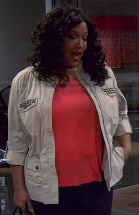 Yolanda's studded jacket on Young and Hungry