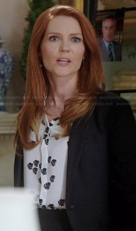 Abby's black and white printed top on Scandal