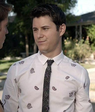 Shane's white paisley shirt and black floral tie on Faking It