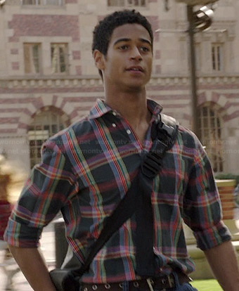 Wes's grey multi colored plaid shirt on How to Get Away with Murder