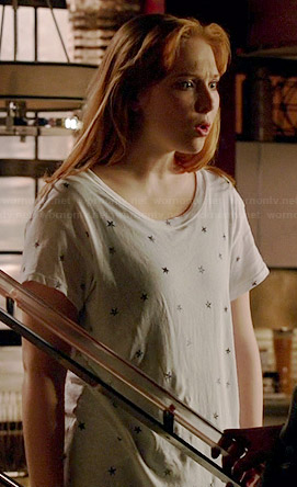 Alexis's white star print t shirt on Castle