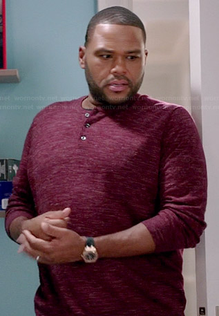 Andre's red long sleeved speckled henley shirt on Black-ish