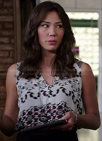 Angela's black and white printed sleeveless top on Bones