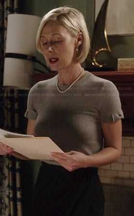 Bonnie's grey short sleeved sweater with bows on How to Get Away with Murder