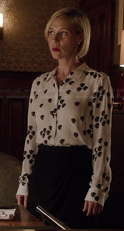 Bonnie's white and black printed shirt on How to Get Away with Murder